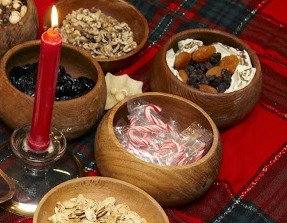 Peppermint, dried fruits, nuts and other treats