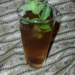 Sekanjabin with cold water and mint